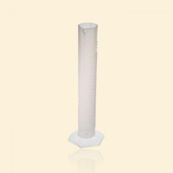 Цилиндр мерный из полипропилена с носиком на 100мл